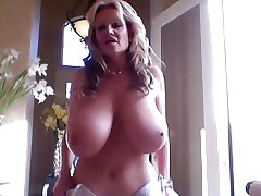 mature descendant with tremendous titties plays with vibrator