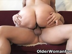 Broad in the beam mature mom needs warm cum