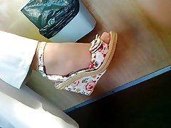Mature feet in brown-nose Straightforward