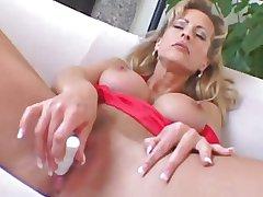 Kinky Mature MILF Sexy Leeza Double Fucked!!!