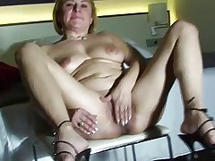 mature unreserved amateur