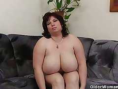 Take charge and mature BBW masturbates with vibrator