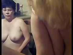 Lesbian Of age Mom and Teen Friend - negrfloripa