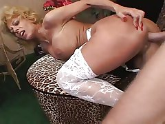 Hot Mature body a suppliant happy