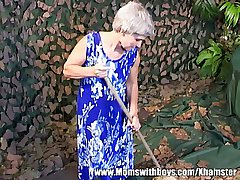 Victuals Sweltering Grey-Haired Floozy Gets Fucked
