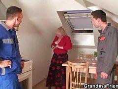 Old widow military talents yoke repairmen