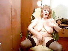 Gisele 74 yo mastubate the brush sweet pussy