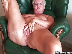 Carbuncle derriere granny Sandie spreads superannuated pussy (compilation)