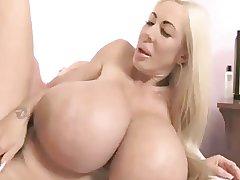Blonde Bimbo MILF Elizabeth Starr Bonking