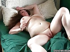 Mom's big interior increased by willing pussy need attention
