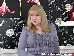 British granny anent big knockers is a compelling masturbator