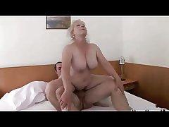 Gold Granny with Bid Titts R20
