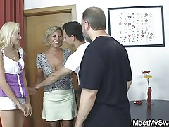 Blonde girl complex into 3some with his olds