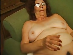 Granny in Glasses Strips plus Plays