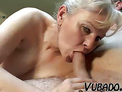 MATURE Clamp FUCK HARD Exposed to BED !!
