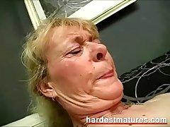 Grandma sucking dig up while fingering