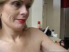 Super chap-fallen older lady is so horny she has down masturbate