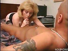Sexy Mature in Move