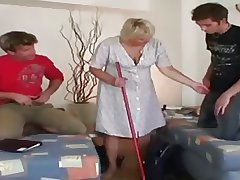 Pop - Granny gets fucked by a couple of guys