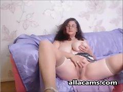 Bush-league horny granny webcam!