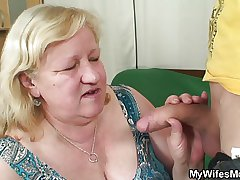 Nutriment clothes-horse fucks huge granny inlaw