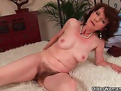 Age-old woman with G pussy gets fucked
