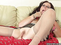 British granny Zadi fucks himself with a dildo