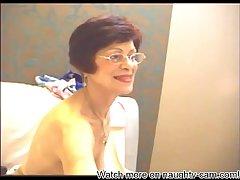 Granny Webcam: More above naughty-cam.com