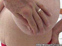Granny surrounding big tits gets finger fucked overwrought photographer
